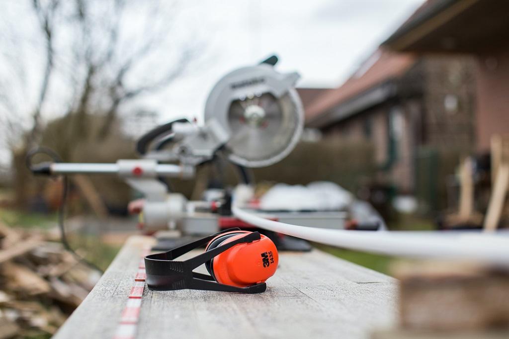 [Poradnik] Unikaj wypadków w pracy latem: wybierz odpowiedni sprzęt ochronny